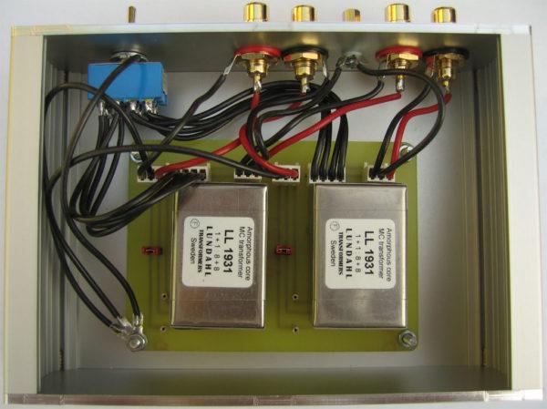 Пример внутреннего строения повышающего МС-трансформатора